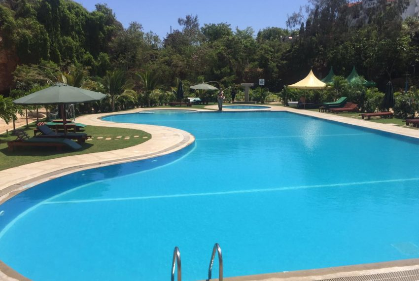 4 bedroom apartment Mtwapa Shanzu swimming pool