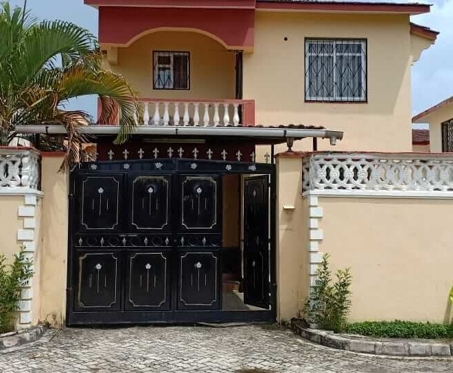 4 Bedroom Maisonette with Detached SQ, Mombasa